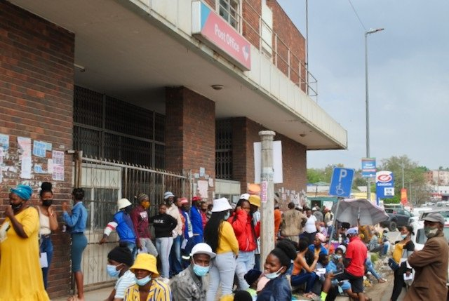 News24.com   Mthatha grant beneficiaries pay up to R100 of their R350 to jump the queue